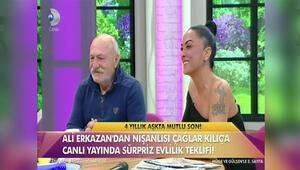 Ali Erkazan canlı yayında evlilik teklifi etti