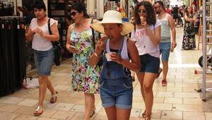 Yabancı turist hedefi 50 milyona tırmandı