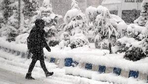 Bugün hangi illerde okullar tatil edildi Kar tatili nerelerde duyuruldu