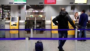 Almanya'da sekiz havaalanında uçuşlar durdu