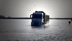 Adanada alarm Tarım arazileri sular altında kaldı