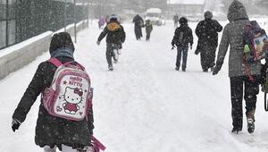 Bugün okullar tatil mi İşte yoğun kar yağışı nedeniyle okulların tatil edildiği iller