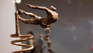 'Her eve bir heykel' ideali uğruna