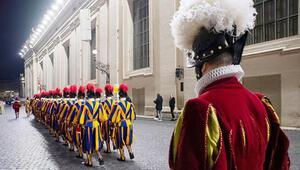 Vatikan muhafızlarına 3D yazıcı ile plastik başlık