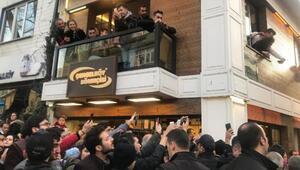 Erdoğan, Tarihi Çınaraltı Çay Bahçesinde vatandaşlarla sohbet etti