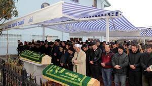 Karadenizde batan teknede ölen 2 balıkçı son yolculuğuna uğurlandı