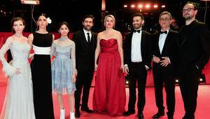'Kız Kardeşler' filminin dünya prömiyeri yapıldı