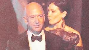 Bezos 'gizemli kadın'la partide