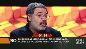 Ahmet Ümit kitaplarının neden çok sattığını açıkladı