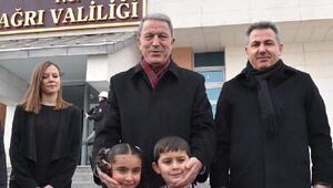 Bakan Akar: Kürtler ve Suriyeliler bizim kardeşimiz