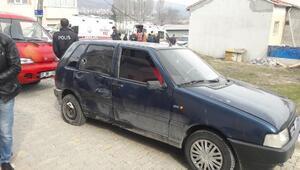 Otomobille, motosiklet çarpıştı: 2 yaralı