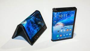 BlackBerry: Ekranı katlanan telefonlar hantal