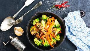 Çalışanlar için önemli mutfak tüyoları: Buzdolabınızda haşlama sebze bulunsun