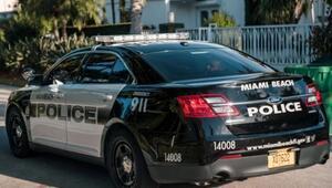 Ünlü boksör Conor McGregor gözaltına alındı, polis aracında sırıttı