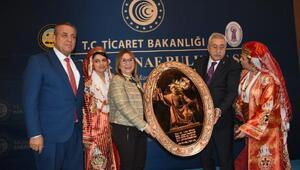 Bakan Pekcan Kirşehirde esnafla buluştu