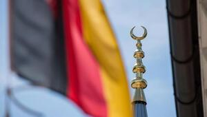 AfD, minarelerin yasaklanması için meclise önerge verdi