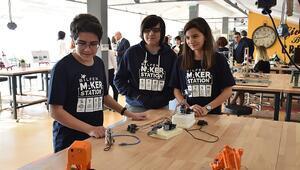 Robot yarışmalarına hazırlık Maker Station'da