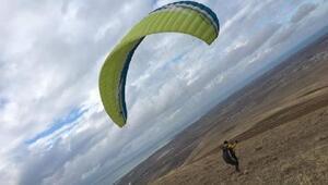 Van Gölüne düşen yamaç paraşütçüsü öldü