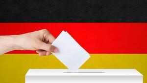 Almanya'da Birlik Partileri kan kaybediyor, ırkçılık yükseliyor