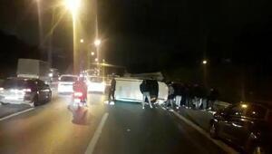 Sultangazide kaza yapan araç sürüklendi: 2  yaralı