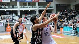 Dev maçta gülen Anadolu Efes