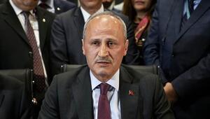 Bakan Turhan, Atatürk Havalimanından kalkan son uçağı uğurladı
