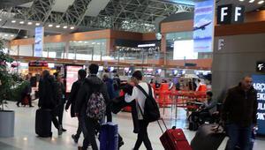 Güney: 109 bin yolcu ve 636 uçağa hizmet verdik