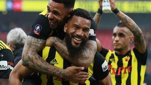 Watford kupada finale çıktı