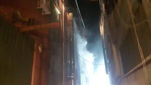 Bayrampaşada korkutan depo yangını