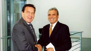 Schröder 75 oldu