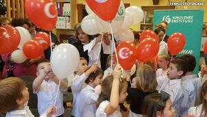 80 Macar anaokulu öğrencisi Türkçe şarkılar söyledi
