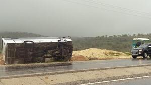 Diyarbakırda yolcu otobüsü devrildi