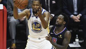 Kevin Durant coştu, Warriors saha avantajını geri aldı