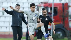 Adana Demirspor ilk 45 dakika gol yemiyor