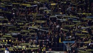 Fenerbahçe'de bu sezonun yıldızı taraftarI