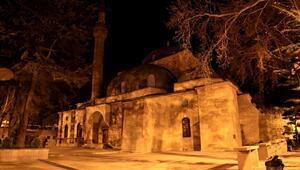 Mimarisiyle dikkat çeken Sultan Süleyman Camii