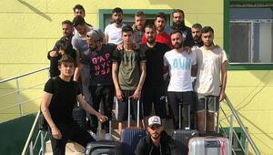 Takım dağılıyor Futbolcular eşyalarını topladı...