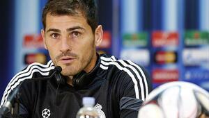 Futbolcu Iker Casillas kimdir | Iker Casillasın hayatı ile ilgili bilgiler