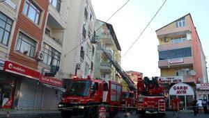 Sarıyerde yangın nedeniyle mahsur kalanları itfaiye kurtardı