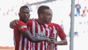 Antalyasporu, Doukara ve Mevlüt Erdinç sırtladı