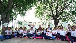 650 Bine Yakın Çocuk Okul Dışarıda Günü ile Sınıflarını Açık Havaya Taşıdı