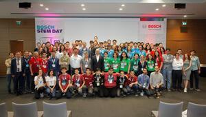 Öğrencilerin geliştirdiği yarış aracı ve robotlar Bosch Türkiye'yi ziyaret etti
