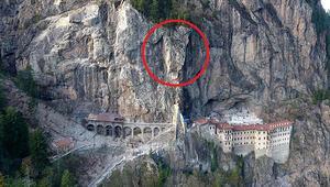 Sümela Manastırında 360 tonluk kaya yerinde sabitlendi
