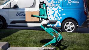 Fordun Digit isimli robotu insan gibi görünüp insan gibi yürüyor