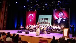 Öğretmen ve öğrencilere Türk müziği konseri