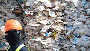 Malezyaya kaçak getirilen plastik atıklar iade edildi