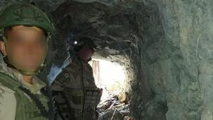 Terör örgütü PKKya Pençe harekatı... Komandolar PKK kamplarını böyle imha etti