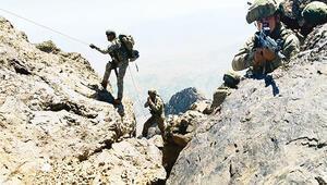 Terör örgütü PKK'ya TSK 'Pençe'si... Kuzey Irak'a karadan ve havadan harekât