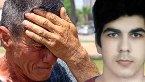 Kayıp oğlunun kıyafetlerini giydi, 10 gündür sokak sokak onu arıyor