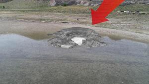 Karamanda şok görüntü Gölün kenarında oluştu...